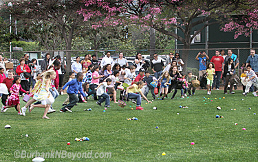 Pictured is the egg hunt for kids 7- 10 years old on baseball field # 1       (Photo By Ross A. Benson)