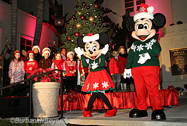 Mickey and Minnie entertain the hundreds of children who were on hand for the Mayor&#039;s Tree Lighting Ceremony in 2010  (Photo By Ross A. Benson)