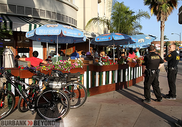 Barney's Beanery was packed and Burbank Police were well prepared with Officers keeping a check on all venues that showed the game. (Photo by Ross A. Benson)