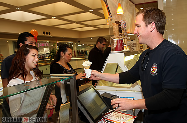 Burbank Firefighter Mike Templeton serves up a free scoop. (Photo by Ross A. Benson)
