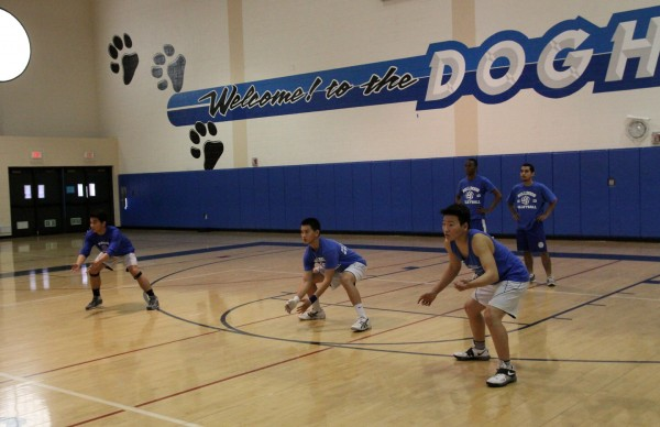The Bulldogs work on receiving at a recent practice (Photo by Ross A. Benson)