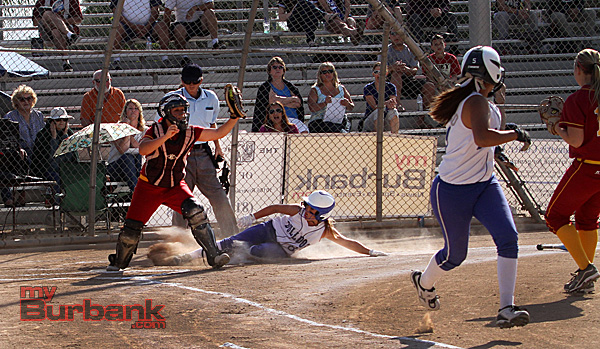 Arcadia forces out a Burbank runner at home plate (Photo by Ross A. Benson)