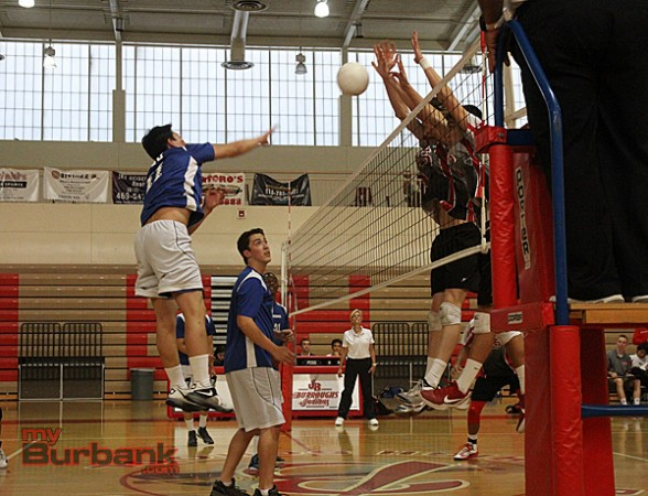 Burbank vs. Burroughs volleyball (Photo by Ross A. Benson)