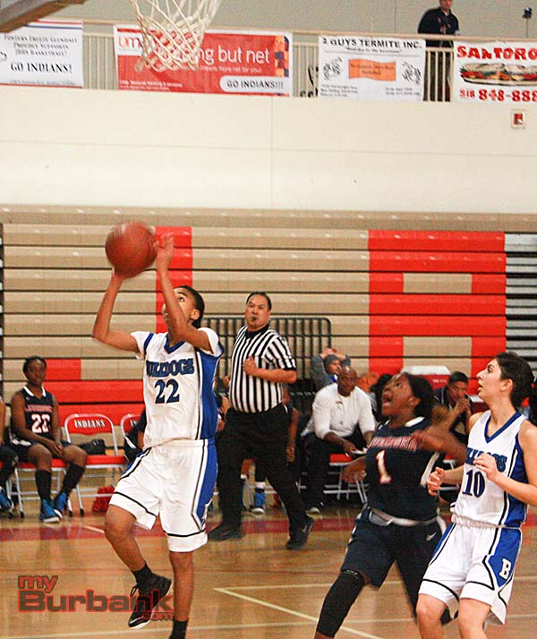 Yazzy Sa'dullah scores two of her 36 points (Photos by Dick Dornan)