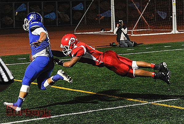 Joseph Pendleton scores one of his three touchdowns on the night (Photo by Craig Sherwood)