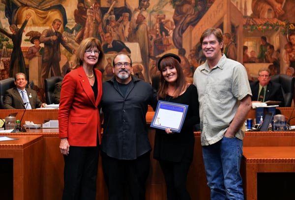 First Place Winners being presented their Certificate from Mayor Emily Gabel-Luddy,Robert Vincent Chairman of The Civic Pride Committee. ( Photo Courtesy Burbank PIO Office)