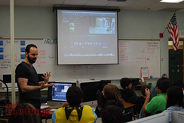 Jim Leber discusses editing with the class. (Photo By Lisa Paredes.)