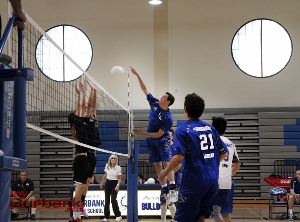Burbank boys volleyball (Photo by Ross A. Benson)