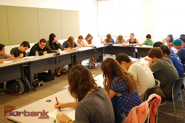 Students at work in Jordan teacher Wayne Tipton's World History class. (Photo By Lisa Paredes)