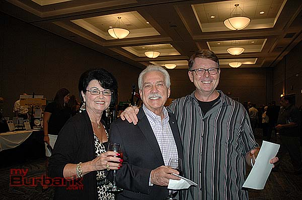 From left, Sharon and Joe Terranova with Dan Humfreville at the Boy Scout's Verdugo Hills Council's 40th annual Big Strike Auction. (Photo by Joyce Rudolph)