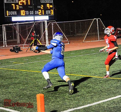 Nick Warren's 21-yard touchdown reception iced the game for Burbank (Photo by Craig Sherwood)