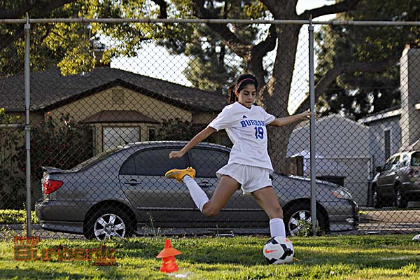 Burbank Girls Soccer (Photo By Edward Tovmassian)