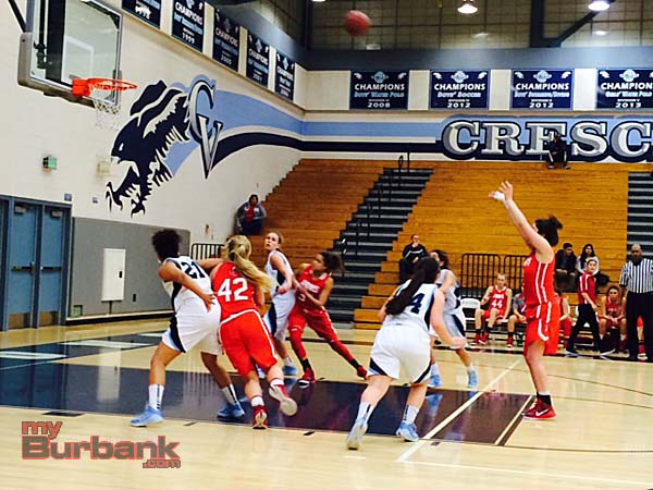 Davina Del Castillo scored 17 points and grabbed 12 rebounds (Photo by Dick Dornan)