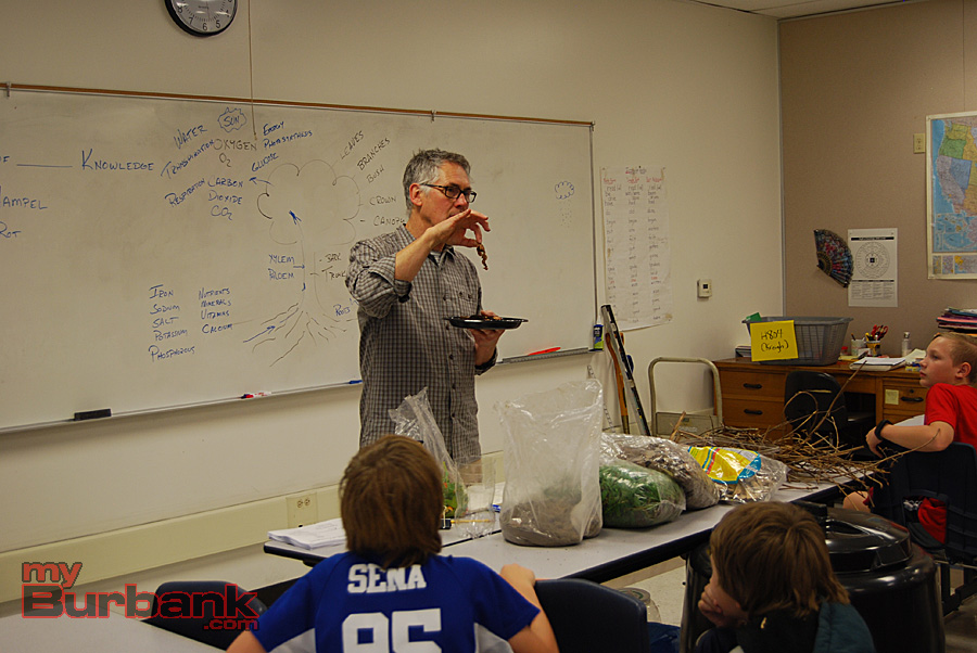City of Burbank Recycling Coordintor Kreigh Hampel shows students some composted items.(Photo By Lisa Paredes)