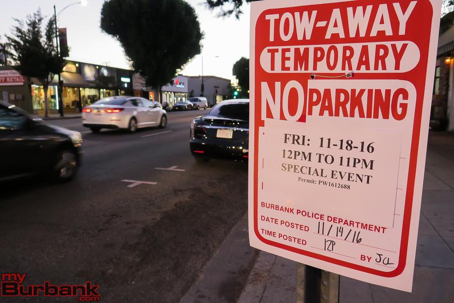 Deagon & Magnolia No Parking (© Ross A. Benson)
