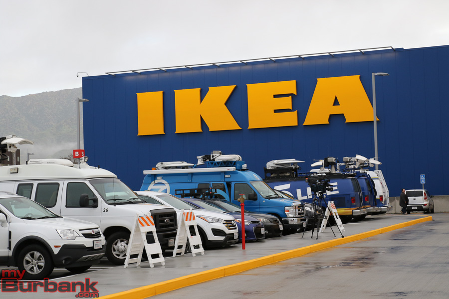 Ikea opens largest store in the united states right here for Ikea burbank nourriture