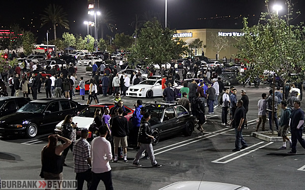 During the evening ever parking spot was filled with cars or people. (Photo by Ross A. Benson)