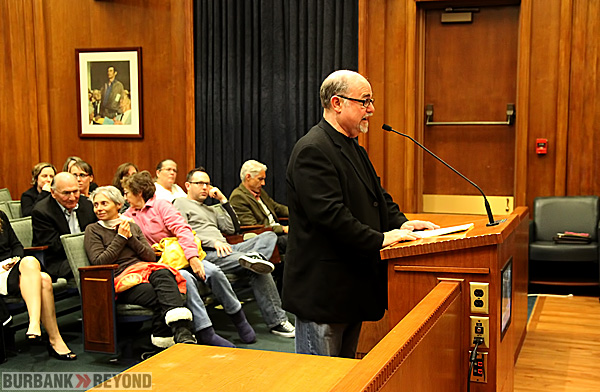 Peggy Woods Pets owner Ira Lippman address Burbank City Council during Tuesday's meeting. (Photo by Ross A. Benson)