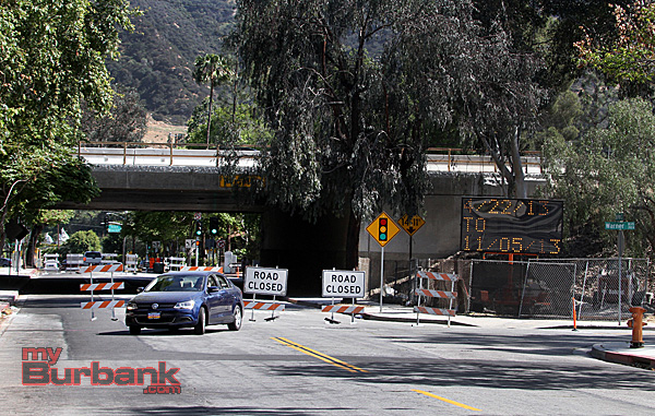 Don't get caught in the DEAD END, Bob Hope Drive is no longer a through street at least not till November 5 2013. (Photo by Ross A. Benson)