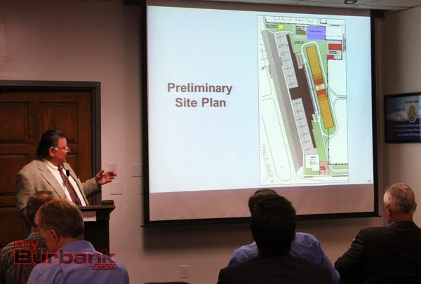 Consultant Mark Conway talks about the proposed replacement terminal. (Photo by Ross A. Benson)