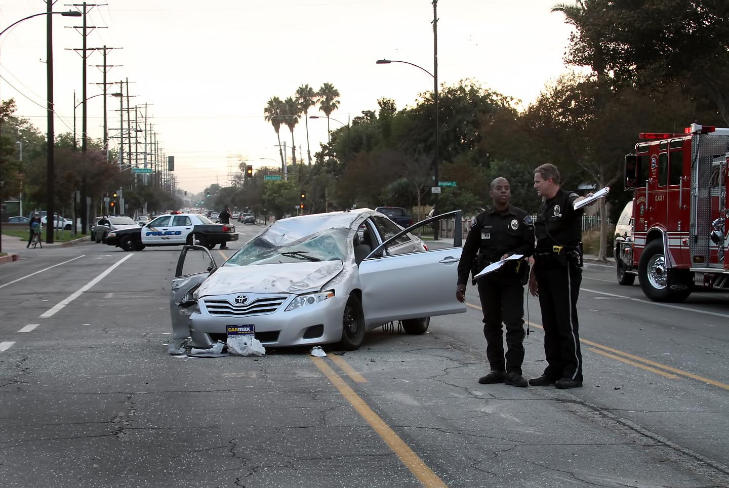 Burbank Police Traffic Officers investigate the scene of traffic accident that closed Verdugo Avenue at Lincoln Street Friday evening.(Photo by Ross A.Benson)