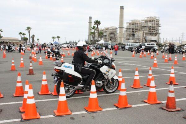 Officer Chris Hensley navigates the course. (Photo Courtesy of Burbank Police Dept.)