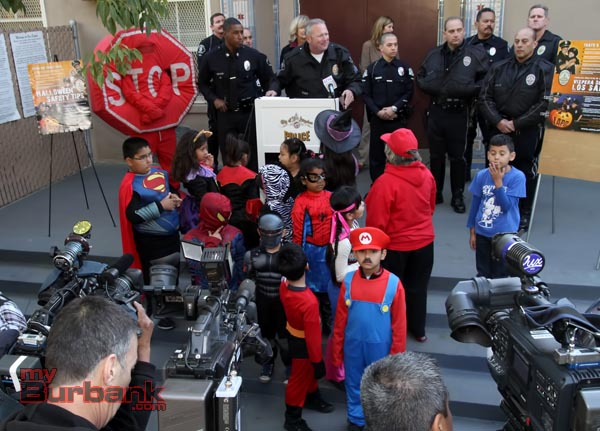 Burbank Motor Sergent Kerry Schlif speaks at Press Confrence held by LAPD on Halloween Safety. (Photo by Ross A. Benson)