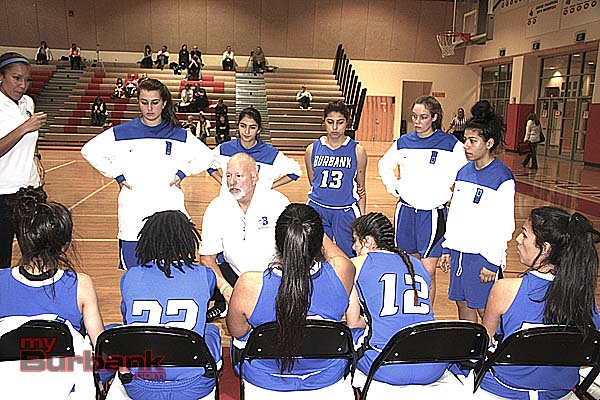 Coach Bruce Breeden talks to his squad (Photo by Dick Dornan)