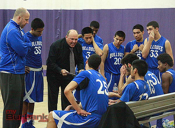 """DeLaurie emphasized """"Finish"""" to his team in the closing seconds (Photo by Dick Dornan)"""