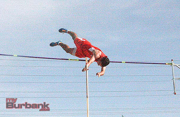 Matt Schwartz clears 15 feet in the pole vault (Photo by Dick Dornan)