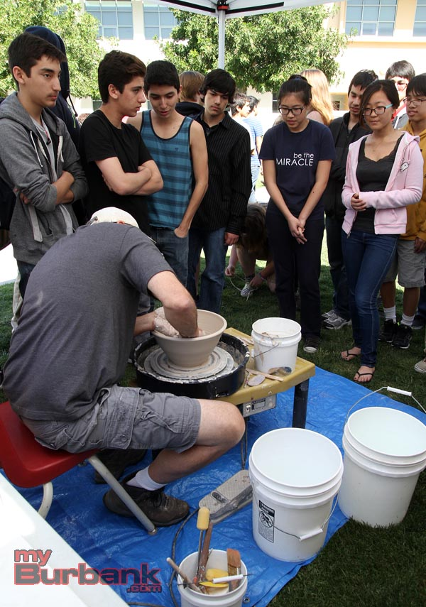 Ceramic artist Michael Hirsch engages JBHS students. (Photo by Ross A. Benson)
