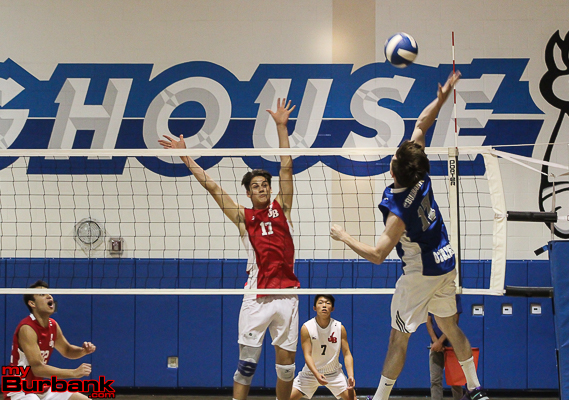 Max Chamberlain (lt) prepares to block Burbank's Robert O'Brien (Photo by Ross A. Benson)