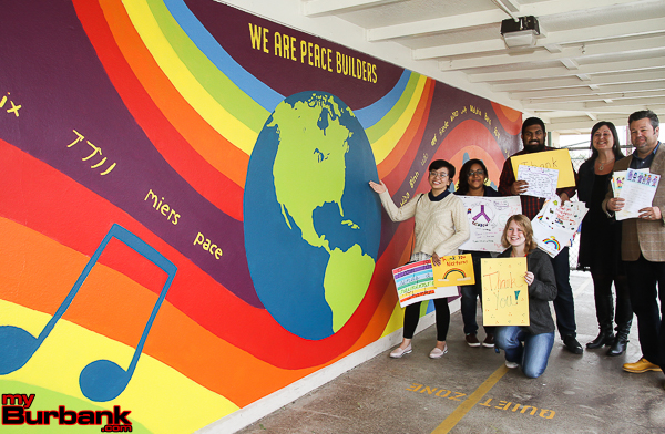Providencia elementary thanks nickterns for new mural for Elementary school mural