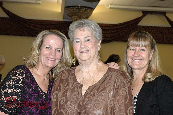Foothill Civitan member Jenice McGlynn, center, with her daughters Christee DuBois, left, and Tracee Murphy.