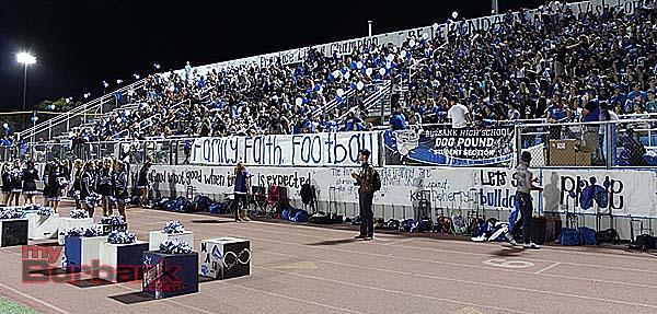 Burbank fans (Photo by Ivan Galan)