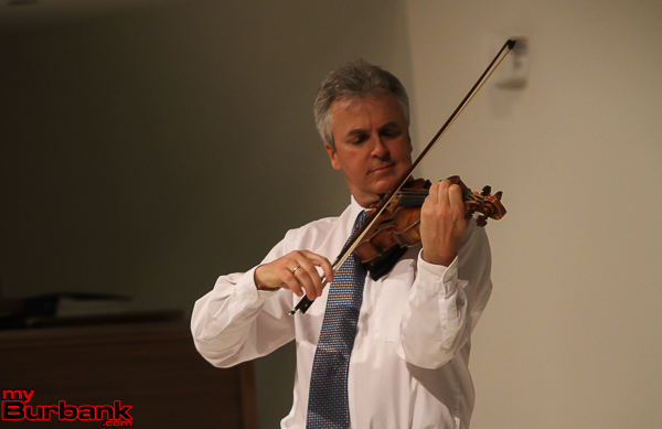 L.A. Philharmonic Concertmaster Martin Chalifour played some selections from the Bach Partita 3. (Photo by © Ross A. Benson)