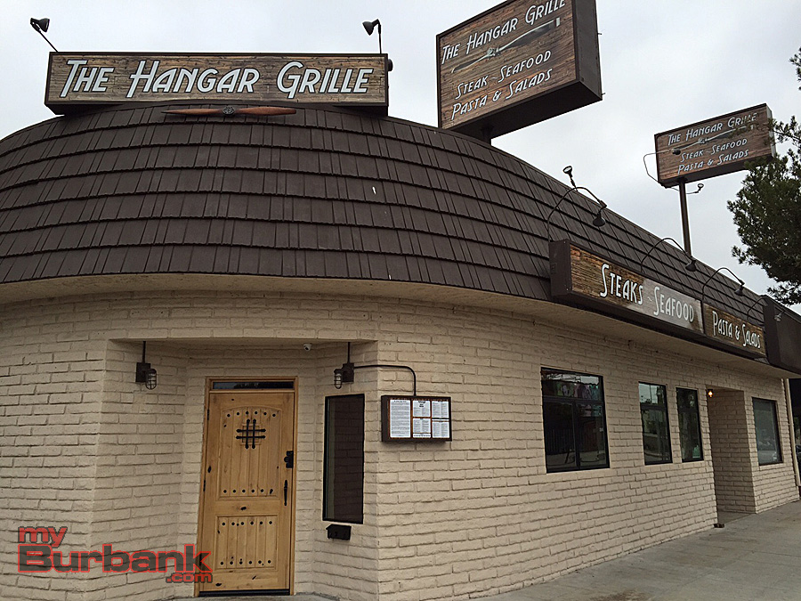 The Hangar Grille opened August 6 on Magnolia Boulevard in Burbank. (Photo By Lisa Paredes)