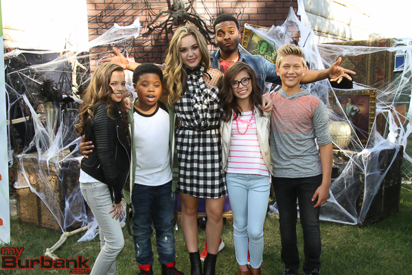"Actors from ""Game Shakers"" and ""Bella and the Bulldogs"" introduced several Halloween shows from Nickelodeon Animation Studios. (Photo by © Ross A. Benson)"