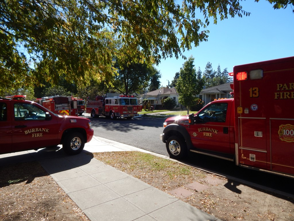 11-6-2015 FIRE ACROSS THE STREET (5)