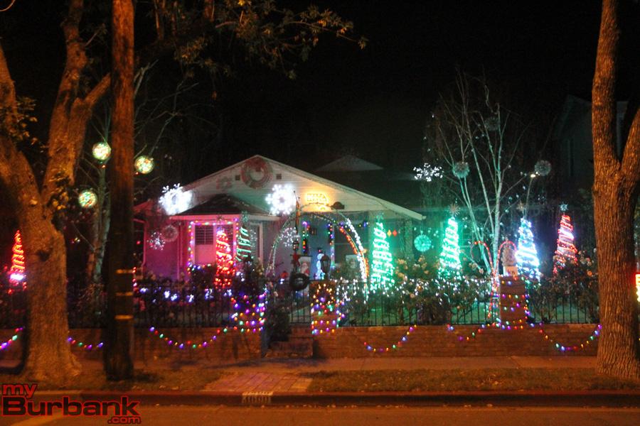 Christmas Decorating Contest PRE  (© Ross A. Benson)