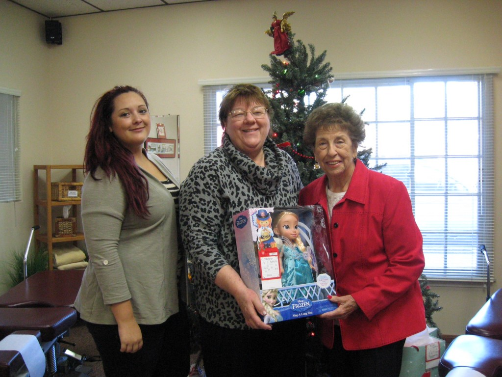 L-R Asleigh Viers, Dr. Charlene Thorburn, and Elaine Paonessa.