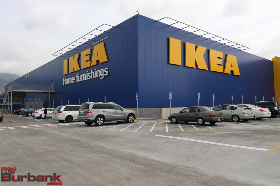 ikea opens largest store in the united states right here in burbank. Black Bedroom Furniture Sets. Home Design Ideas