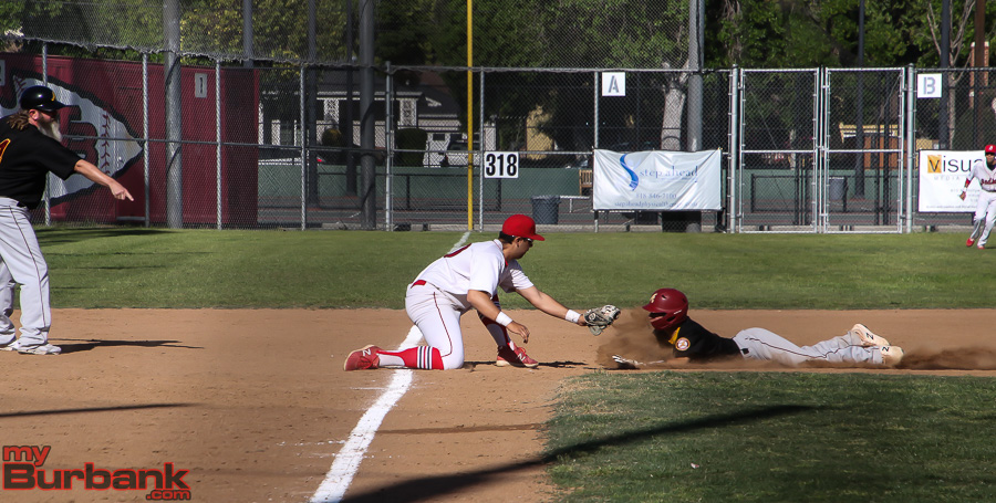 Burroughs Baseball Comes From Behind, Wins 4-2 Over ...